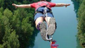 Rizikový Bungee Jump pre všetkých nad -5 dioptrií