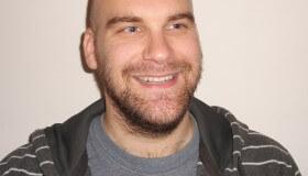 """Učiteľ angličtiny a cestovateľ Martin Ždímal: """"Implantácia fakických šošoviek mi dala novú slobodu"""""""