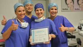 MUDr. Miriam Záhorcová získala svetový certifikát na implantáciu Raindrop rýchlejšie ako väčšina svetových chirurgov
