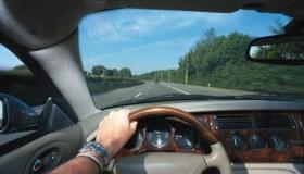 Letná očná poradňa: Čakajú vás v lete dlhé hodiny za volantom?