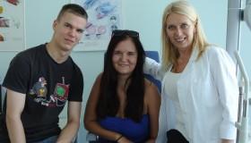 """Súrodenci Lukáš (18) a Veronika (20)po implantácii šošoviek ICL  """"Máme viac sebavedomia aj slobody pri športe."""""""