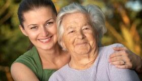 Poznáte najčastejšie príznaky sivého zákalu?