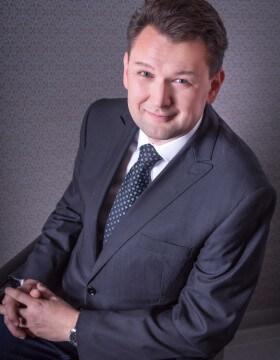 Petr Kocian - Očná klinika NeoVízia