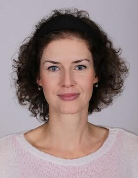 Mgr. Júlia Mekyňová